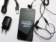 Das Zubehör des Alcatel One Touch Idol X©COMPUTER BILD