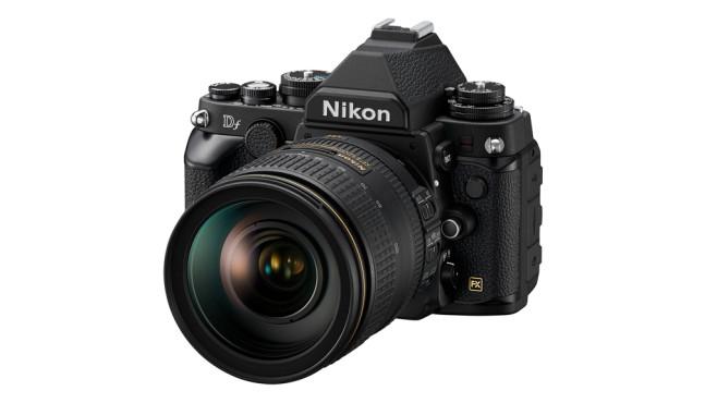 Nikon Df mit AF-S Nikkor 24-120 Millimeter©Nikon