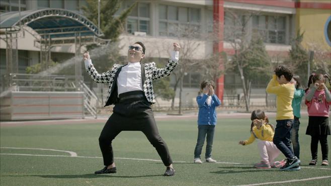 "Ausschnitt aus dem Musikvideo ""Gentleman"" von Psy ©Schoolboy/Universal Republic Records, a division of UMG Recordings, Inc."