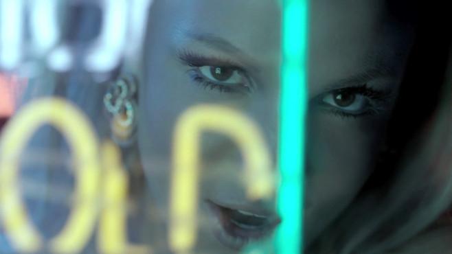 """Ausschnitt aus dem Musikvideo """"Scream & Shout"""" von Will.I.Am & Britney Spears ©Interscope"""