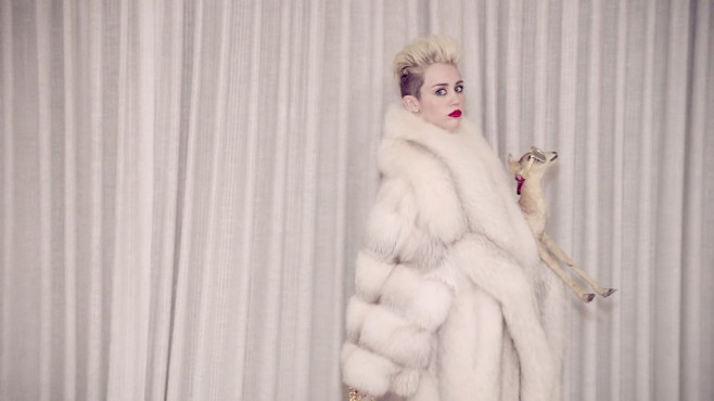 "Ausschnitt aus dem Musikvideo ""We Can't Stop"" von Miley Cyrus © RCA Records, a division of Sony Music Entertainment"