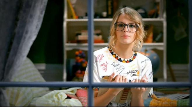"Ausschnitt aus dem Musikvideo ""You Belong With Me"" von Taylor Swift ©Big Machine Records, LLC"