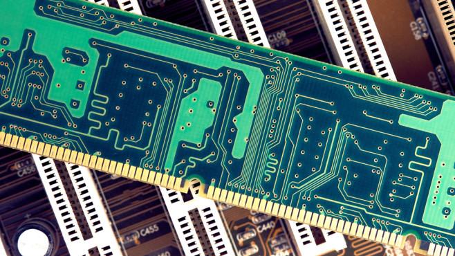 Windows: Die Zwischenablage verschlüsseln – Tool macht es möglich©Fotolia--ivanmollov-RAM Memory Stick On Motherboard Closeup