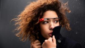 Modell mit Google Glass©Google
