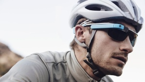 Radfahrer mit Google Glass©Google