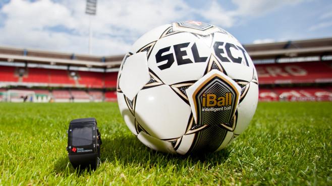 11 Technik-Highlights für den Fußball Macht zu viel Technik den Sport kaputt?
