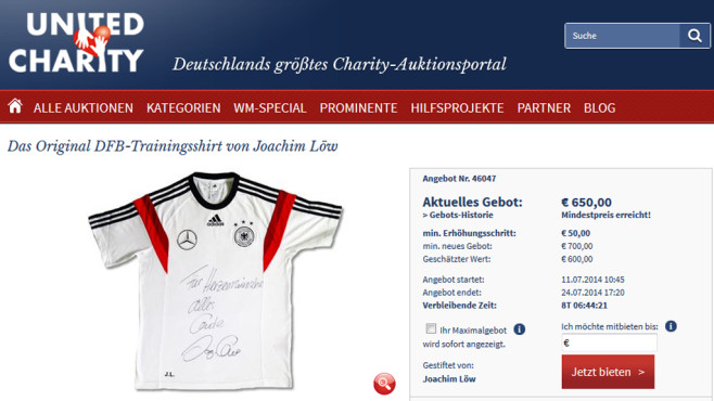 Online-Auktion: Shirt Löw ©United Charity