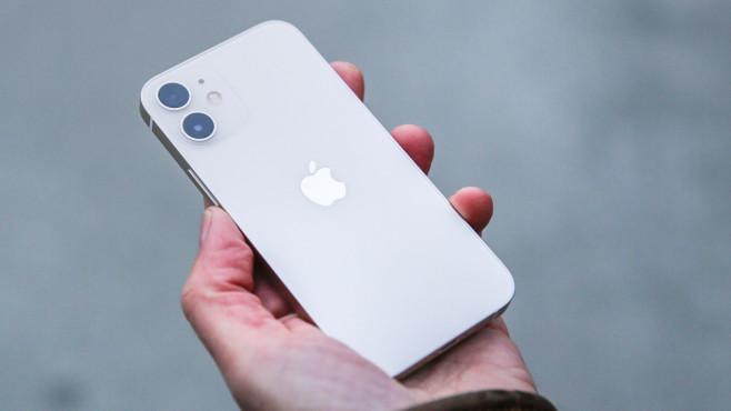 Apple iPhone 12 Mini ©COMPUTER BILD