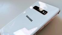 Samsung Galaxy S10 Plus©COMPUTER BILD/Michael Huch