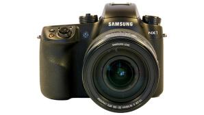 Samsung NX1 mit NX 16-50 1:2-2,8©COMPUTER BILD