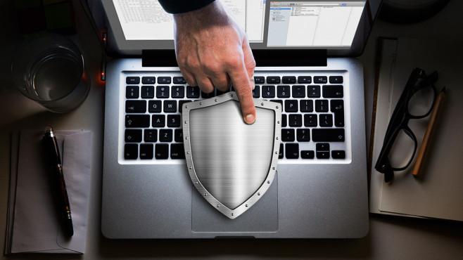 Gesperrter PC samt Erpressung: Anti-Ransomware-Tools ©Andrey Kuzmin - Fotolia.com, Dimitri Otis/ getty images