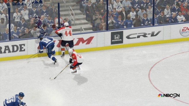 NHL15: Fans © EA Sports/ Electronic Arts