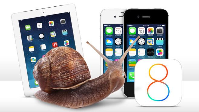 iPhone, iPad und eine Schnecke©Apple, volkerladwig - Fotolia.com