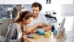 Frau und Mann mit EnergyUp©Philips