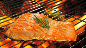 Rezept-Tipp vom Griller: Lachs in Whiskey-Marinade © amenic181 - Fotolia