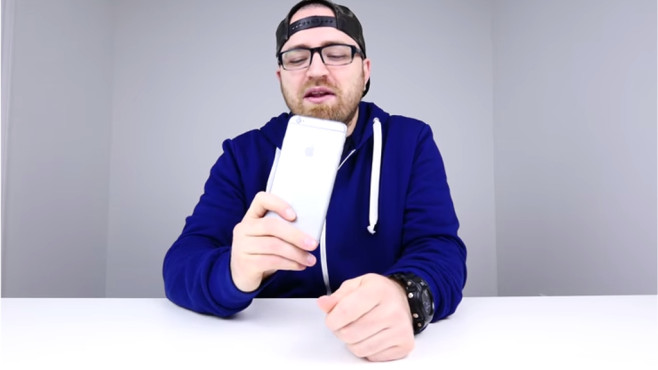 iPhone 6 Plus Bend Test © YouTube, Unbox Therapy