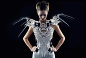 Spider Dress 2.0 © makezine, anouk wipprecht