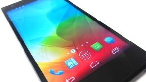 ZTE Blade Vec 4G: LTE-Smartphone unter 200 Euro im Test Das ZTE Blade Vec 4G bietet neben einem LTE-Datenturbo, ein großes HD-Display, Android 4.4 KitKat und eine widerstandsfähige Kevlar-Rückseite. ©COMPUTER BILD