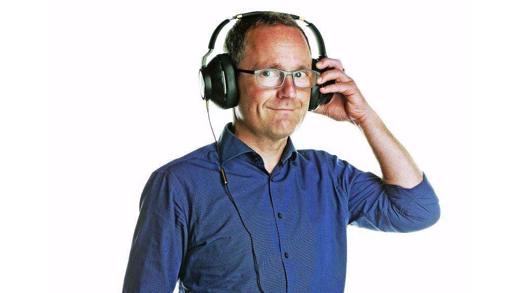 AKG N90Q: Neuer Kopfhörer mit Einmessautomatik Der Kopfhörer AKG N90Q sitzt trotz seiner Größe bequem. Besonderheit ist die automatische Einmessung auf die Ohren des Trägers.©COMPUTER BILD