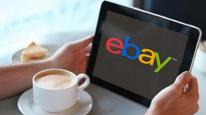 Tablet mit Ebay-Logo©Ebay