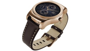 LG Watch Urbane in Gold © LG Electronics