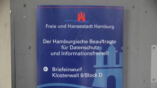 Türschild der Hamburgischen Datenschutz-Behörde©COMPUTER BILD