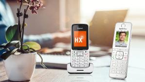 DECT-Telefone im Test©AVM, Gigaset, iStock.com/Kerkez
