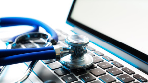 © Fotolia--Romolo Tavani-stethoscope on laptop
