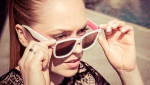 Frau mit Skugga-Sonnenbrille©Skugga Eyewear