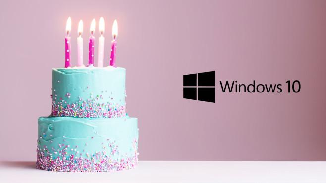 Microsoft Windows 10 auf Laptop©Microsoft, iStock.com/RuthBlack