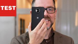 Microsoft Lumia 950 XL: Erstes Windows 10-Smartphone im Test Mit einer Displaydiagonale von 5,7 Zoll gehört das Lumia 950 XL zu den Phablets (Phone + Tablets). ©COMPUTER BILD