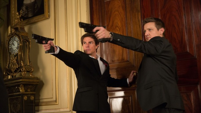 Mission: Impossible - Rogue Nation: Jeremy Renner, Tom Cruise ©Paramount Pictures