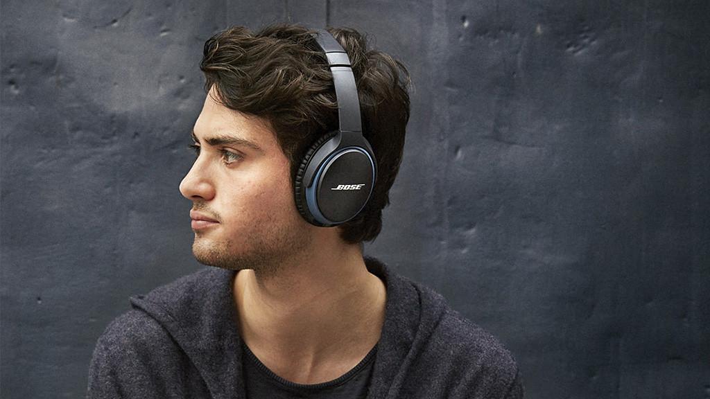 Bose Soundlink Around-Ear Wireless Headphones II©Bose