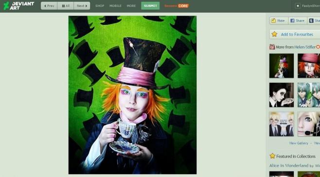 Hinter dem Kostüm versteckt sich eine junge Frau.©Screenshot: Helen Stifler / Deviant Art