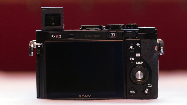 Sony RX1 R II Rückseite©COMPUTER BILD