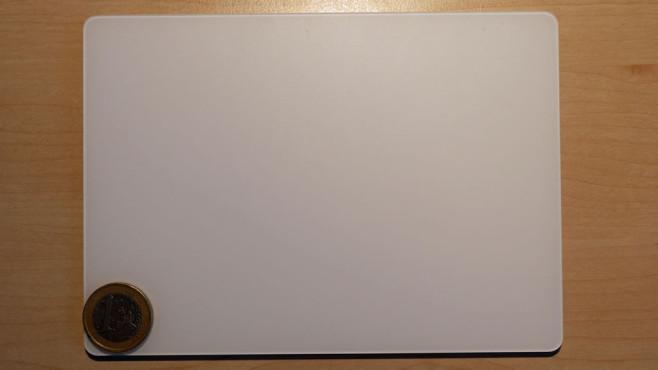 Apple Magic Trackpad 2 im Praxis-Test: Kein Maus-Ersatz Riesige Fläche: Auf diesem Trackpad ist ausreichend Platz.©COMPUTER BILD