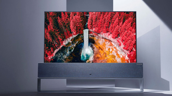 OLED, QLED, 4K und 8K: Die Technik-Trends der Fernseher Beim Rollable OLED von LG lässt sich der Bildschirm im Lautsprechersockel versenken, das flache OLED-Display rollt sich zusammen!©LG Electronics