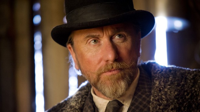 Szene aus The Hateful Eight: Tim Roth © Universum Film GmbH