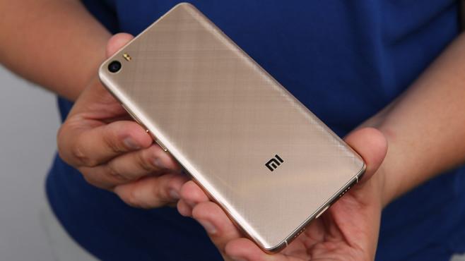 Xiaomi Mi5 im Praxis-Test: Billig-Flaggschiff mit Top-Technik Unter der Haube werkelt im Mi5 die aktuelle Top-Hardware der Smartphone-Technik.©COMPUTER BILD