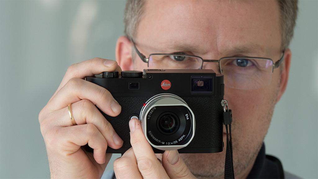 Leica Entfernungsmesser Einstellen : Leica m edel kamera im praxis test audio video foto bild