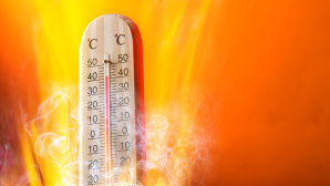 ©Fotolia--Lukas Gojda-Celsius thermomether with fire flames