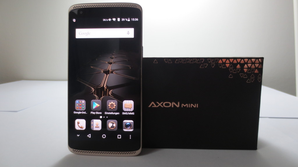 ZTE Axon Mini Premium Edition in the Test