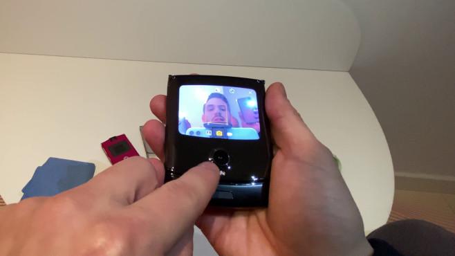 Motorola Razr (2019) zugeklappt: Selfies©COMPUTER BILD