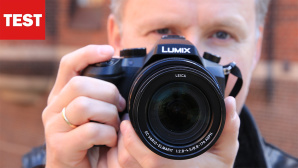 Panasonic Lumix FZ2000 © Panasonic