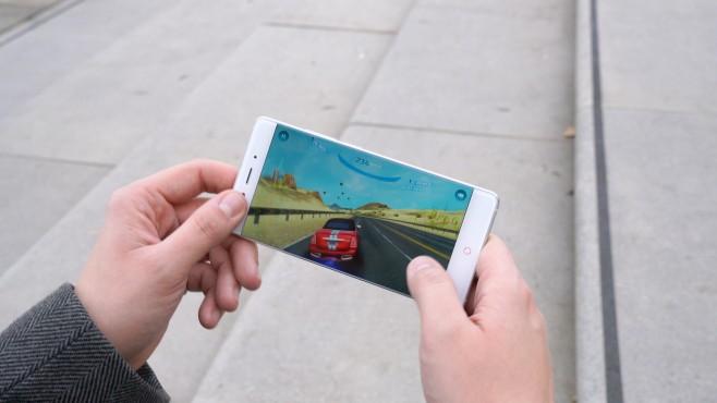 ZTE Nubia Z11: (Fast) rahmenloses Power-Smartphone im Praxis-Test XXX©COMPUTER BILD