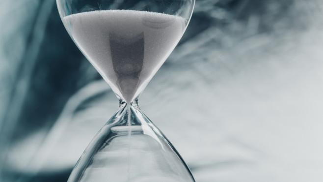Autostart-Programme ohne Verzögerung laden©Fotolia--fotofabrika-Hourglass, concept of time