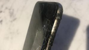iPhone-Explosion©Screenshot: http://www.mirror.co.uk/news/world-news/brit-mountain-biker-reveals-horrific-8540224