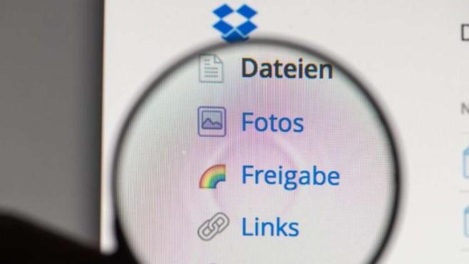 Hacker.Angriff auf Dropbox©Armin Weigel, dpa