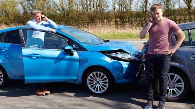 Kfz-Versicherungen vergleichen©Monkey Business – Fotolia.com