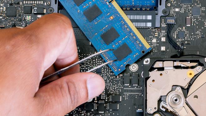Komponenten defekt? Tauschen, Festplatte testweise umbauen ©bananaef – Fotolia.com